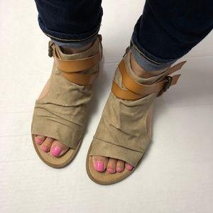 d5397f0a81e4 Blowfish Shoes - Blowfish Balla Textured Canvas Wedge Sandal Sz 10